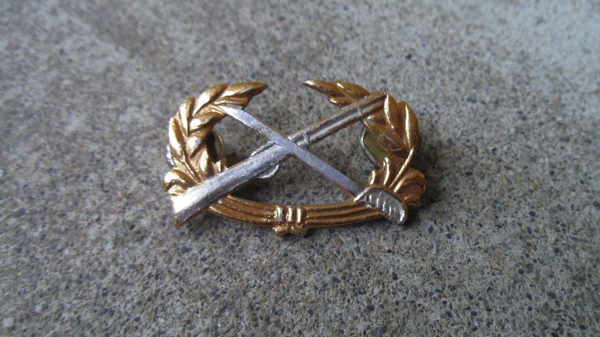 早期---陸軍---徽章