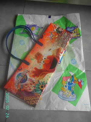 瑤瑤小舖@日本迪士尼買的購物袋,超大喔!