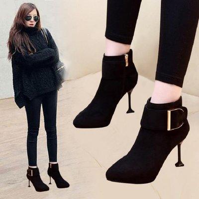 高跟短靴細跟氣質女靴潮絨面皮帶扣靴子女新款尖頭時尚貓跟馬丁靴