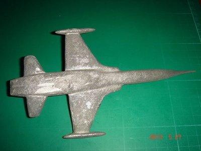 老件收藏品~ 早期F5E軍機 [軍用飛機]模型 合金 長18CM寬10CM 105公克 【CS超聖文化讚】