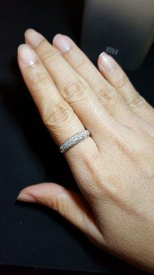 18K金 31P滿滿多鑽 南非鑽石戒指 線戒