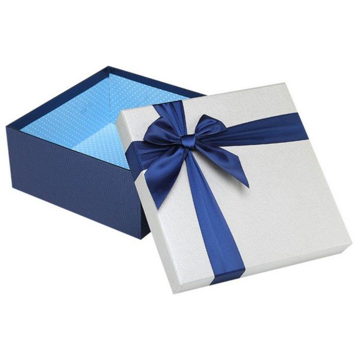 進口精美緞帶蝴蝶結禮物盒  飾品 文具 收納 彌月禮盒禮物包裝用品 禮品包裝盒 情人節禮物26.5×26.5×11