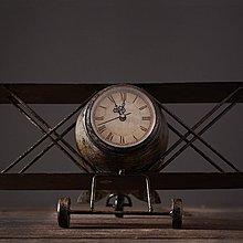 北歐創意家居裝飾鐘複古鐵藝飛機模型時鐘服裝店咖啡廳裝飾道具*Vesta 維斯塔*