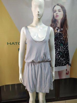 Yakuza. 灰白色兩件式洋裝 SOSO二手專櫃