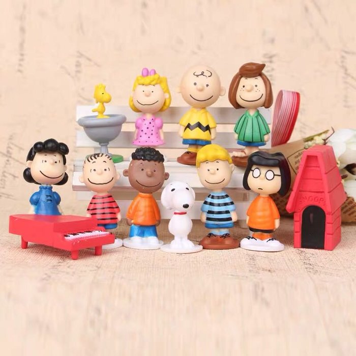 《瘋狂大賣客》SNOOPY 史努比 查理布朗 糊塗塌客 莎莉布朗 奈勒斯 佩蒂 瑪茜 露西 富蘭克林 卡通 動漫 玩具 禮物 模型 公仔 擺件 蛋糕 創意 造型