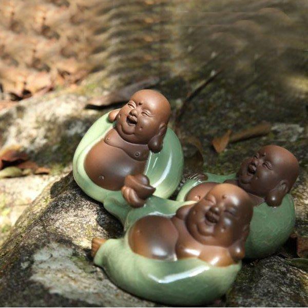 5Cgo【茗道】含稅會員有優惠  38688865384 哥窯紫砂茶寵擺件平安招財常樂彌勒佛佛像開片可養茶具三個一組