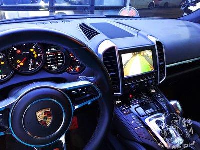 銳訓汽車配件精品 PORSCHE Cayenne 安裝 170度超廣角倒車鏡頭+介面