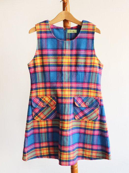 童-彩色格紋毛料洋裝-i本P14【單件-200含郵】