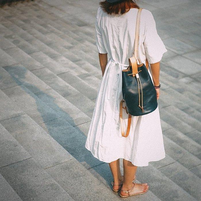 ~皮皮創~原創設計手作包。原色植鞣牛皮後背包水桶包復古文藝雀藍色真皮雙肩背包 子母包 買大包送小包(可斜背)