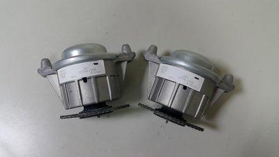 C204 W204 M271 ML CGI C180 C200 C250 引擎腳 (2顆價德國原裝)2042404217
