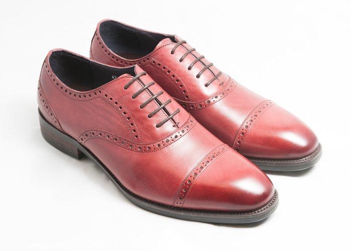 開普托雕花牛津鞋:手工上色小牛皮真皮木跟皮鞋男鞋-酒紅色-免運費-[LMdH直營線上商店]E1A18-79