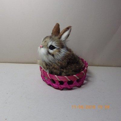 紫晶宮***單隻兔子高11.5cm花白色竹籃***品質保證價格便宜