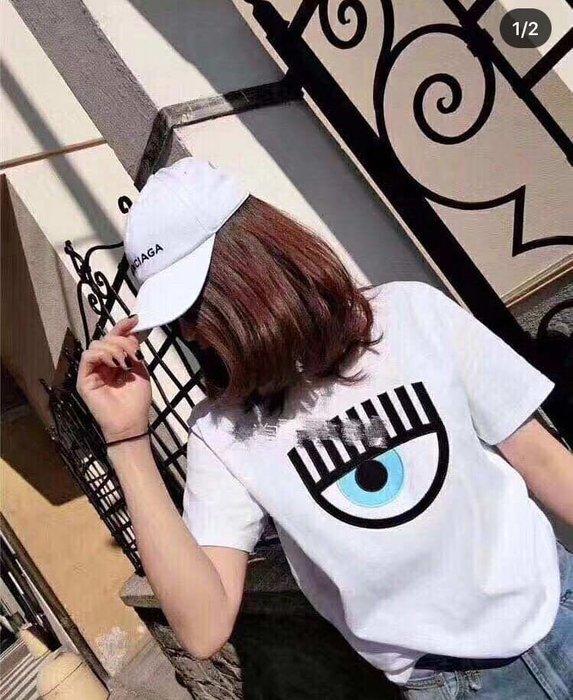 [限量折扣XS-L] CHIARA FERRAGNI 刺繡眨眼短袖上衣