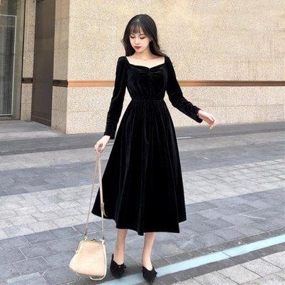 復古赫本風小黑裙顯瘦金絲絨連衣裙長袖打底長裙V領露背禮服裙女洋裝   全館免運