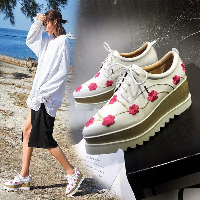 Fashion*厚底鞋 松糕鞋 真皮尖頭坡跟系帶女鞋 白色刺繡高跟鞋 白色*黑色 33-40碼