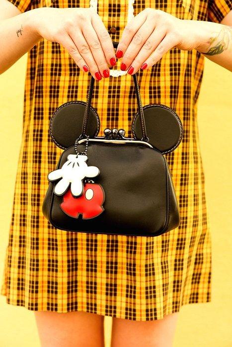 Ariel's Wish日本Coach & Disney聯名款限量-牛皮黑色米老鼠立體耳朵珠扣包斜背包手提包肩背包-現貨