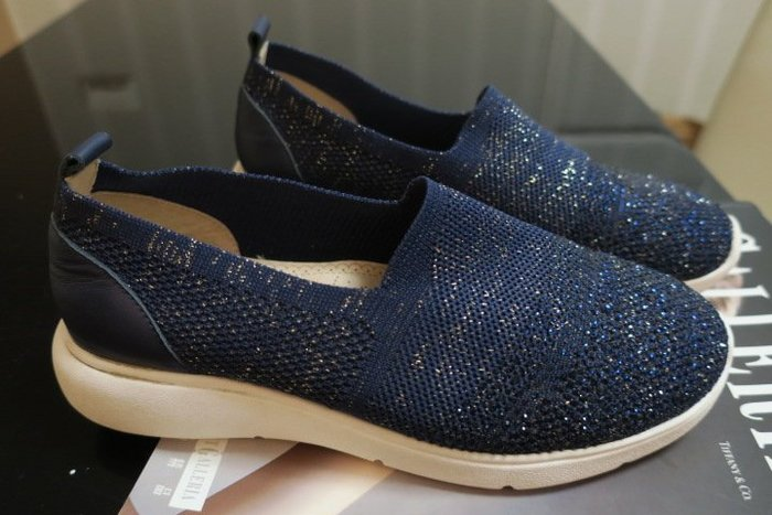 *Beauty*DIANA藍色金蔥針織休閒鞋  24 號 1500 元