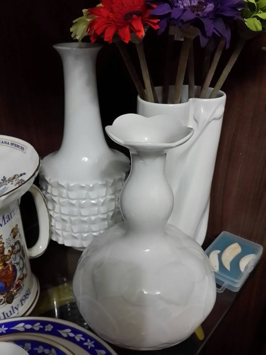 歡迎提問 ~~ 創建於1710年 ~~ 德國 麥森 ~~ Meissen ~~ 白色的金子 ~~ 純白幾何款 ~~ 花瓶