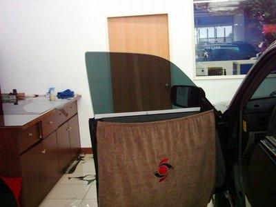 FSK防爆超強隔熱紙035S變色龍 4000/台+999元送eTag前擋專用.堅持品質合理價格是美力可汽車/大樓專業隔熱