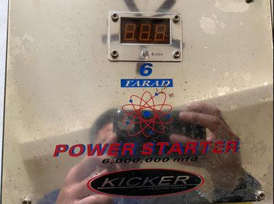中古美國K牌KICKER 胖曲6.0法拉金電容安裝重低音/擴大機必備蓄電器 穩壓器