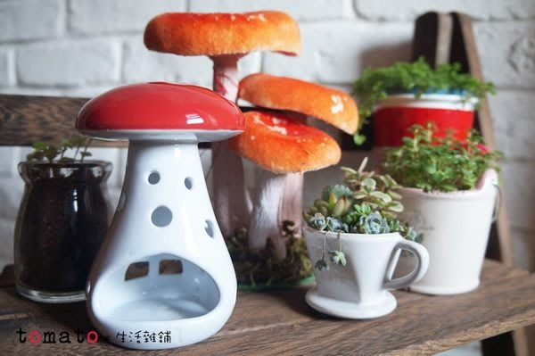 ˙TOMATO生活雜鋪˙日本進口雜貨蘑菇房子造型小燭台燈飾收納品