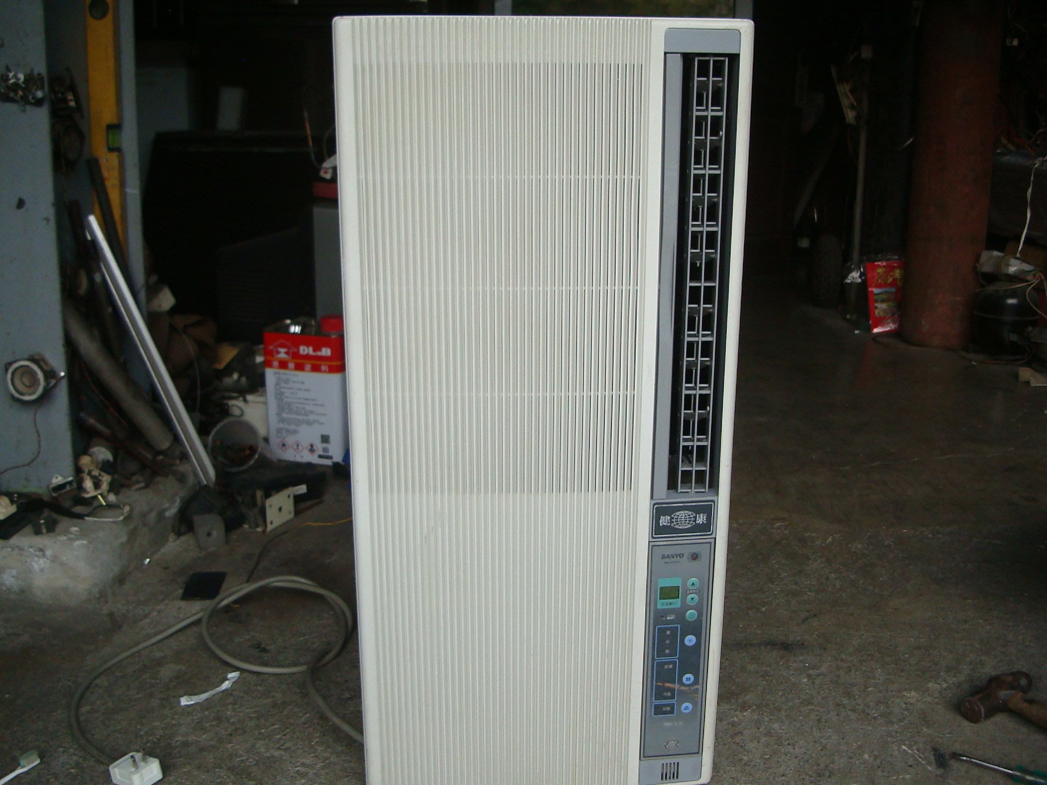 高雄屏東萬丹電器醫生 中古二手  三洋直立式冷氣 自取價7300
