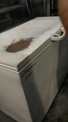 南門餐廚設備出售二手4.3尺 上掀冷凍冰櫃台製瑞興冷凍冰櫃 400公升冷凍冰櫃