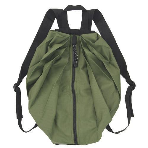 【東京速購】Shupatto 攜帶型 快速折疊 購物袋 秒收萬用後背包 旅行袋 收納 大容量  後背包 預購 - 軍綠