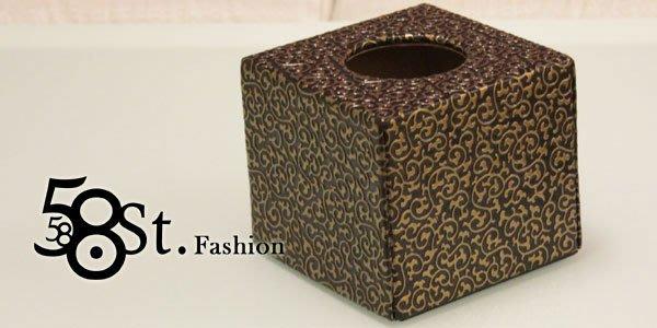 【58街】設計款式「黑色金紋皮革製品面紙盒、紙巾盒,滾筒式紙巾用」。AF-091