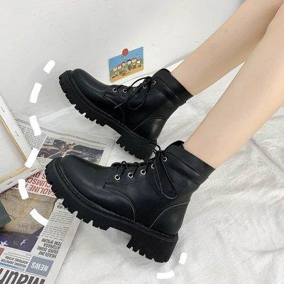 moan黑色時尚百搭馬丁靴女潮ins2020夏季新款薄款透氣舒適瘦瘦靴