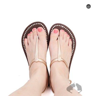QWQ繽紛夾腳拖 施華洛世奇水晶 超值款涼鞋 咖啡色綁帶免運- 阿法.伊恩納斯 百貨專櫃同步 比基尼穿搭