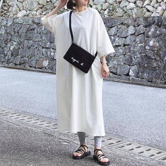 【Luxury】agnes b 側背小方包 專櫃正價款式 拉鍊斜背包 帆布斜背包 長夾可以放 黑白2色 簡潔俐落的設計