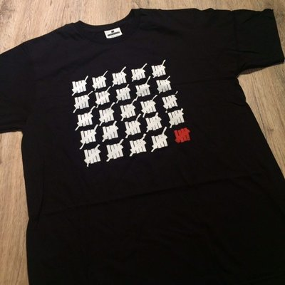 【MASS】Undefeated Strike Off Tee 黑色