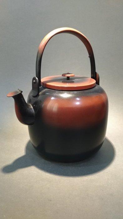 ☆清沁苑☆//清倉特價品出清//日本茶道具~銅製提把腰黑水注 銅壺 銅瓶(厚胎)~d525