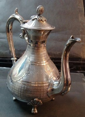 239 高級英格蘭鍍銀壺Antique engraved silver plated coffee pot