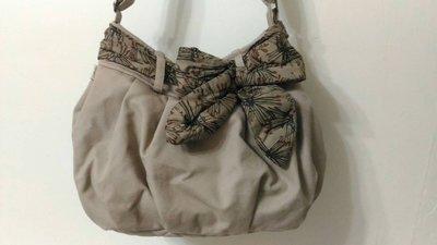 二手NaRaYa娜萊雅泰國曼谷包帆布材質深卡其色大包斜肩背包水餃包斜背包側背包
