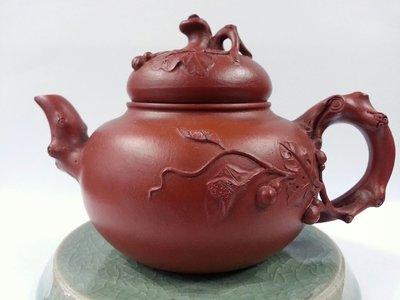 (收購古董紅木家具)早期紫砂壺   紅泥瓠瓜藤花罐     編號45