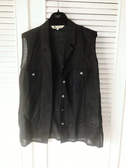 【Aquascutum of London】雅格獅丹黑色純麻開襟無袖襯衫