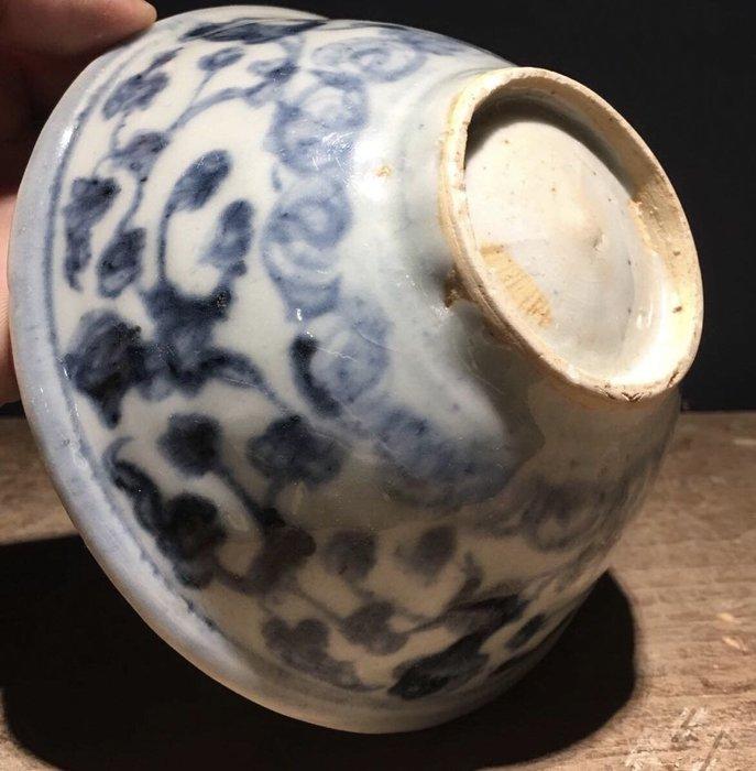 【琛藏瓷】明代 成化年間 青花纏枝蓮紋碗
