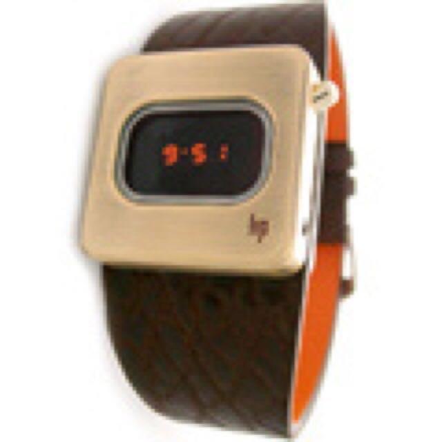 【M】Lip|Diode造型電子錶 金錶 腕時計