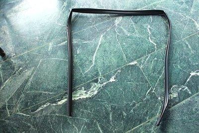 **HDS** K8(4門) K6(4門) K7(4門) 車門 玻璃泥槽1條800元 另有 各車 玻璃泥槽 窗戶膠條