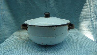 黑色小館~~4F20~~~正老件...塘瓷鍋子+蓋子(約直徑17公分.高10公分.)