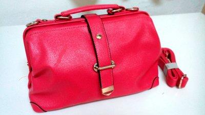 桃紅 ~ 復古簡約磁釦大容量硬殼醫生方包 手提包 斜背包