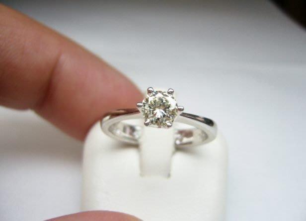 [吉宏精品交流中心]50分 南非天然鑽石 六爪 白K金 戒指(母親節禮物)