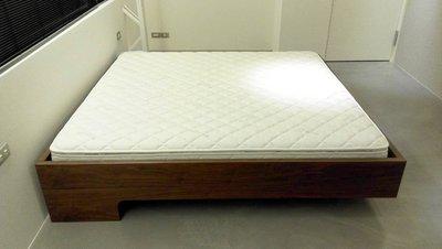 HODERN ZEITRAUM SNOOZE BED - 胡桃木/橡木漂浮床架,結構外型兼具,保證全台同規格最低價