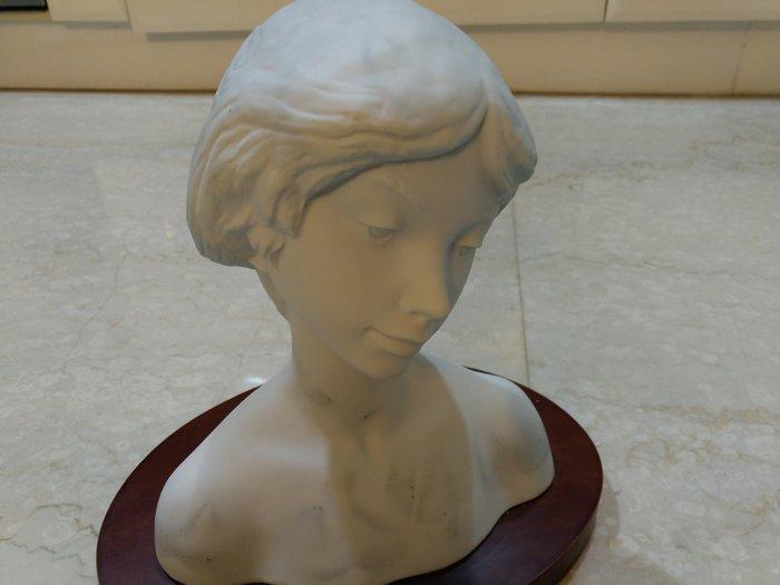 (特價品~無蕾絲)LLADRO 羅曼蒂克黑色面紗的少女(1989年霧彩半身像)西班牙雅緻瓷偶(另麥森)