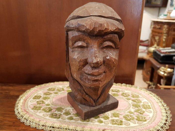 【卡卡頌 歐洲跳蚤市場/歐洲古董】歐洲老件_簽名 溫柔微笑人像雕刻 手工木雕擺件 家飾 w0020✬
