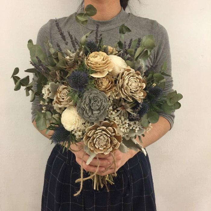 D47。白綠色系乾燥捧花。棉花。拍照捧花。客製新娘捧花。台北自取【Flower&House花藝之家】