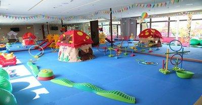 2019年@瑞寶旅遊@台中港酒店【雅緻雙人房】含早餐+FUN兒童遊戲『豪華加大床只要3080』順遊高美濕地、鹿港小鎮