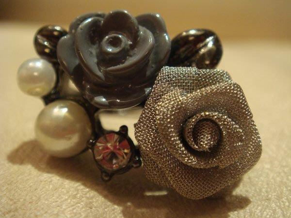 美國帶回,全新從未戴過玫瑰花造型戒指,低價起標無底價!本商品免運費!
